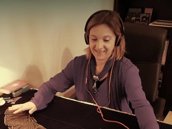 Katia de Fontaines en vidéo conférence<br /> Katia de Fontaines, Voyante, cartomancienne, vous dévoile la vérité et l'avenir à son Cabinet Anderias ou à distance. Sur Rdv. Tél: 0669399623