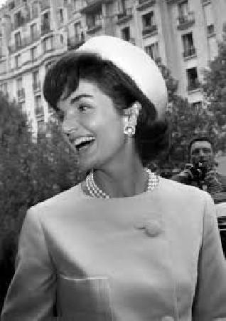 Voici un très joli sourire, pour une si Grand Dame, je pense que vous l'avez reconnu ?
